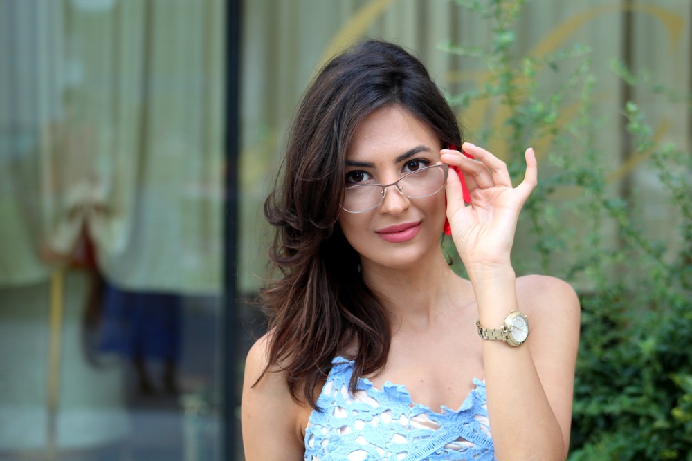 mihaela gurau romantic look baby blue lace dress red orchid earring escape watch glassesusa eyeglasses 4