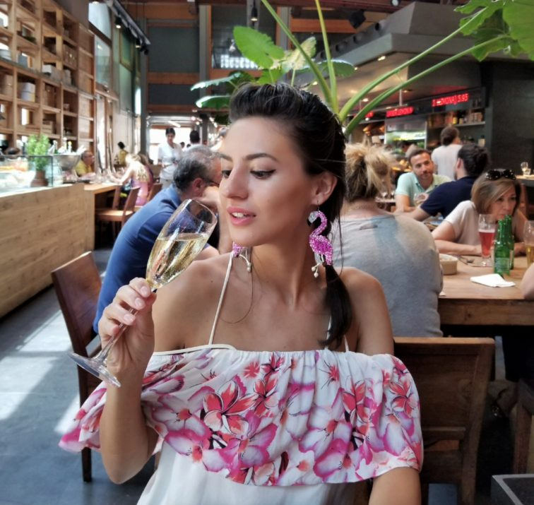 Mihaela Gurau Barcelona tipuri alcool sanatoase healthy alcohol drinks wine vin rosue champagne, sampanie, whiskey