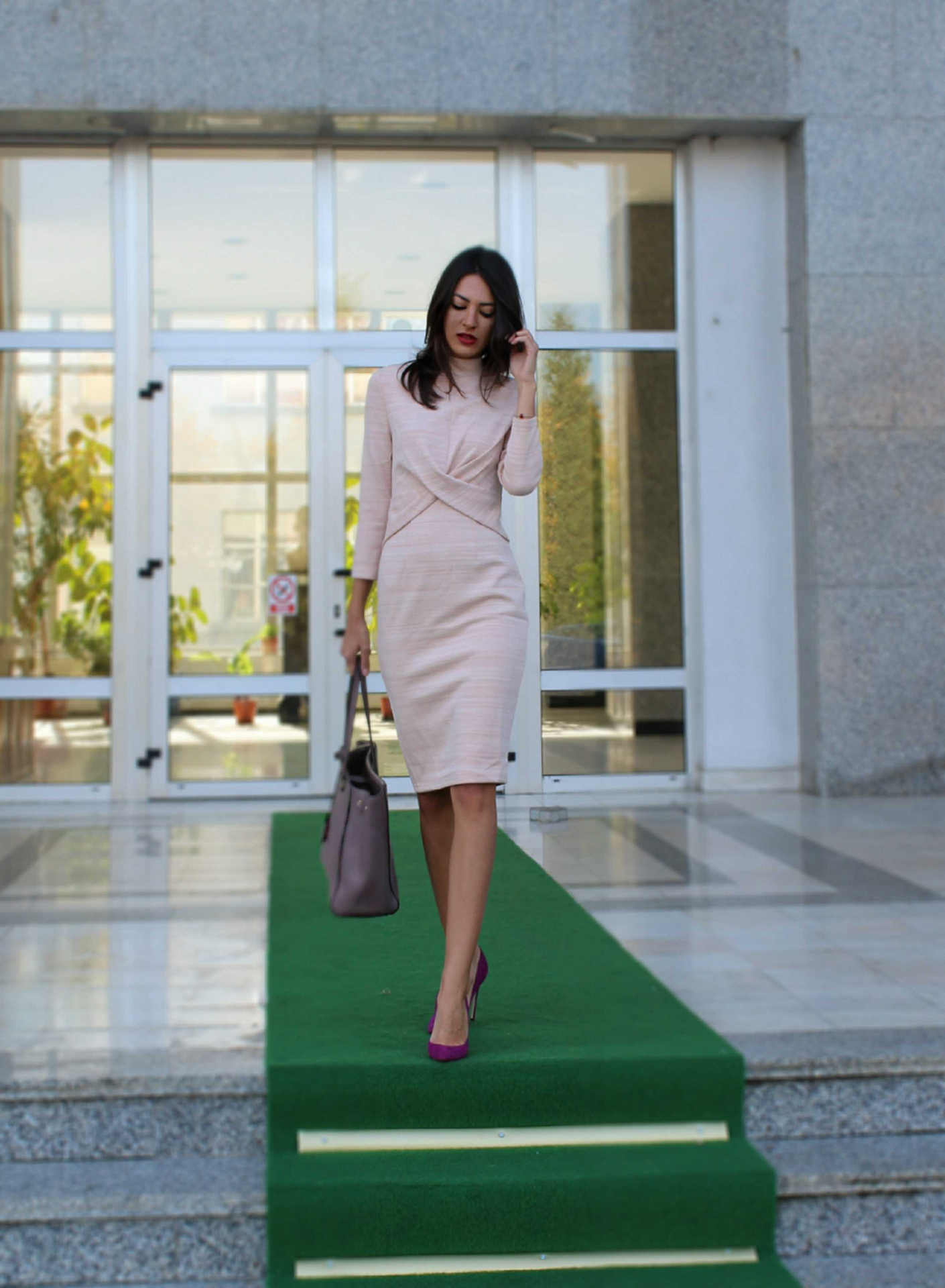 outfit post office outfit business meeting ootd fashion style amiclubwear dress Mihaela Gurau